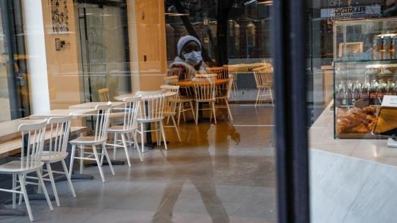 200318150234-empty-restaurant-new-york-0316-live-video