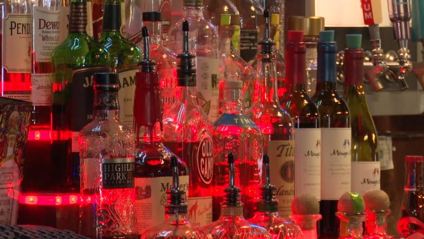 bars alcohol drinking