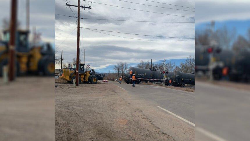 derailed train florence crews