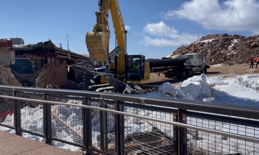 Demolition begins at Pikes Peak summit house