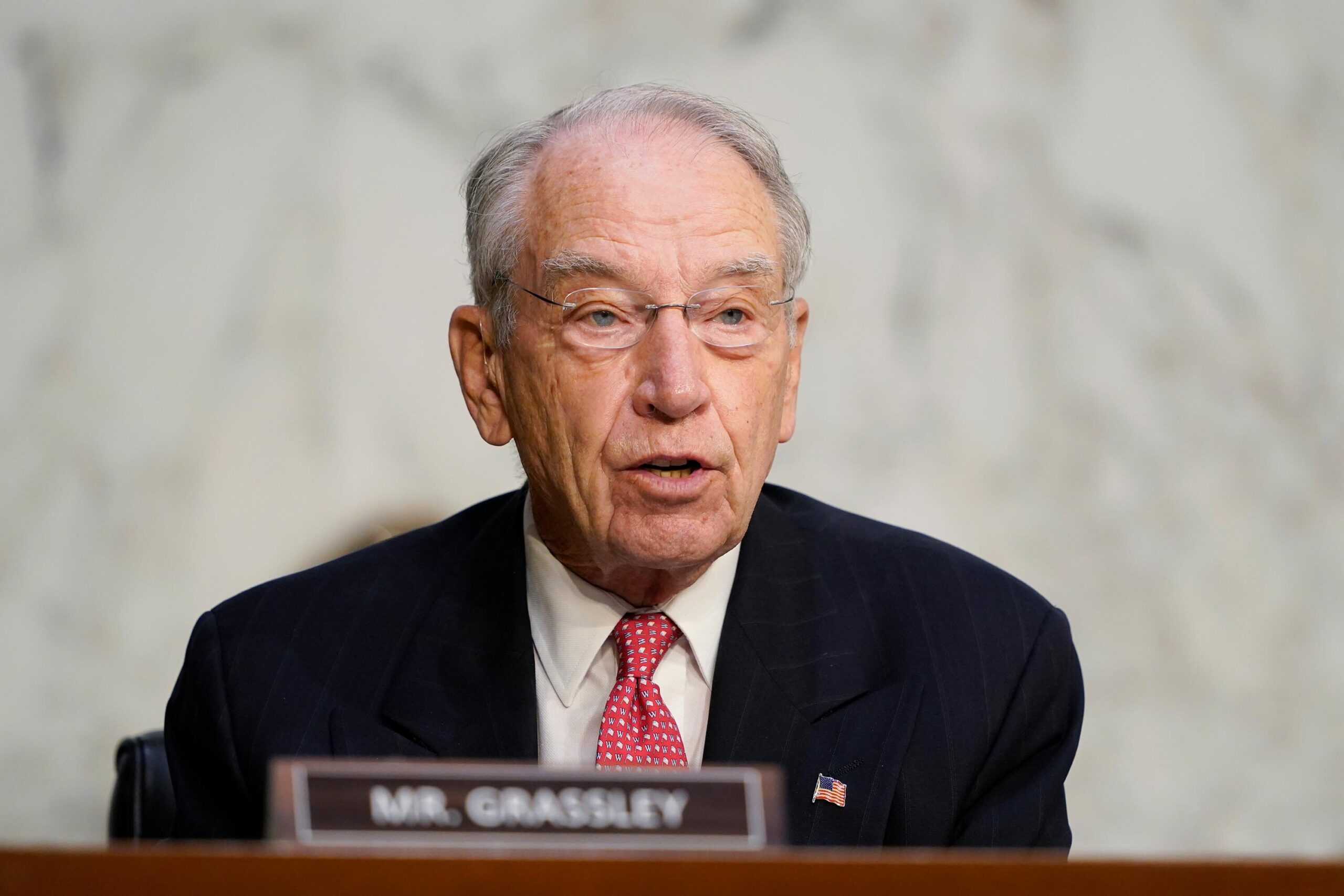 <i>Susan Walsh/Pool/Getty Images</i><br/>Sen. Chuck Grassley (R-IA) announced on Friday that he will run for reelection next year.