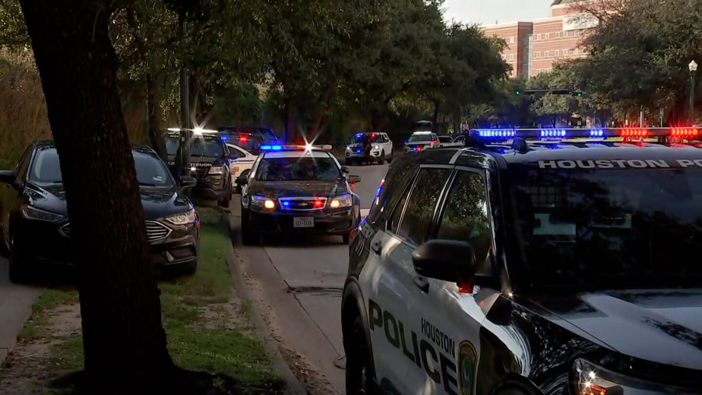 <i>KTRK</i><br/>Police are responding to reports of two officers shot in Houston.
