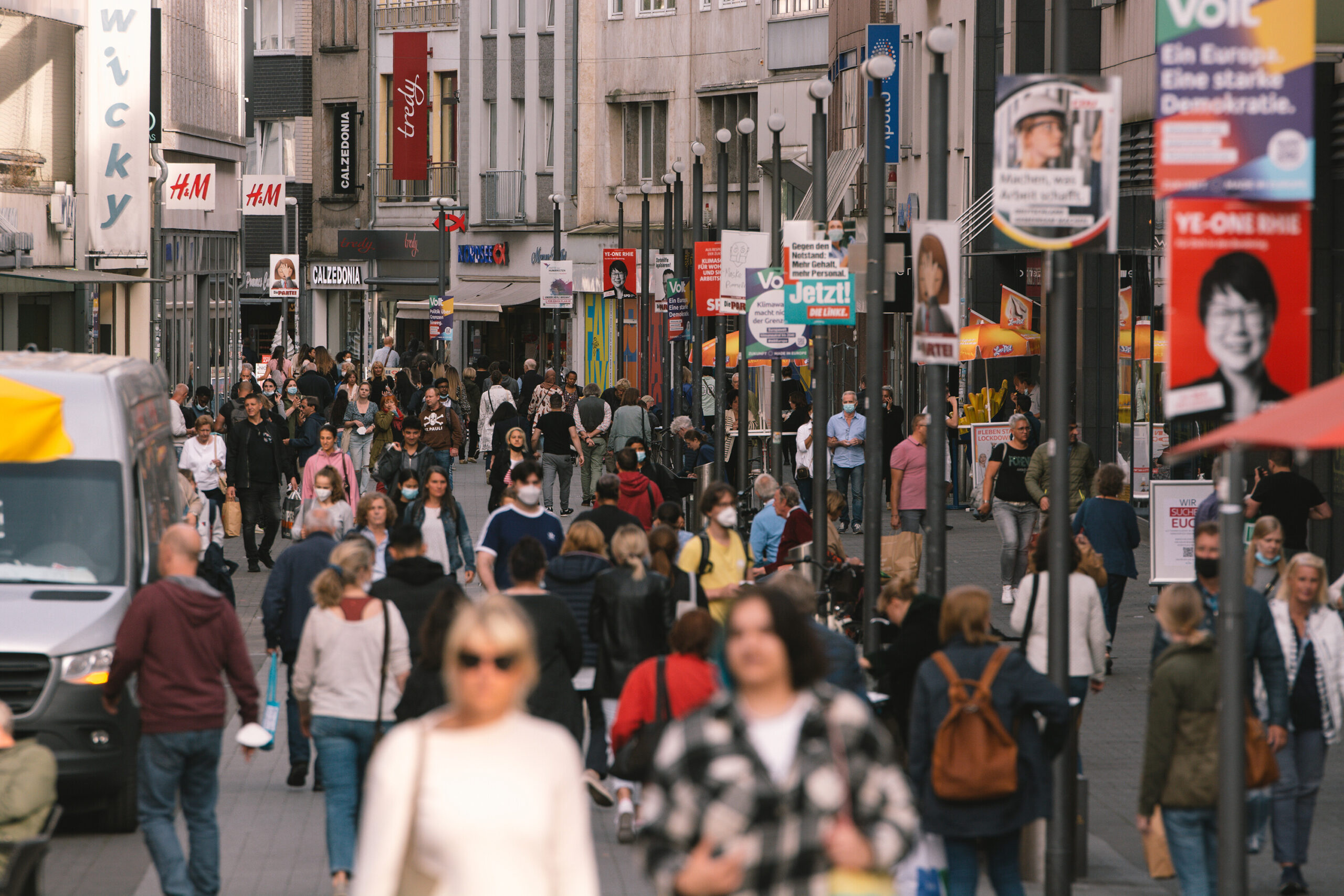 <i>Ying Tang/NurPhoto/Getty Images</i><br/>General view of shopping area in the city center of Aachen